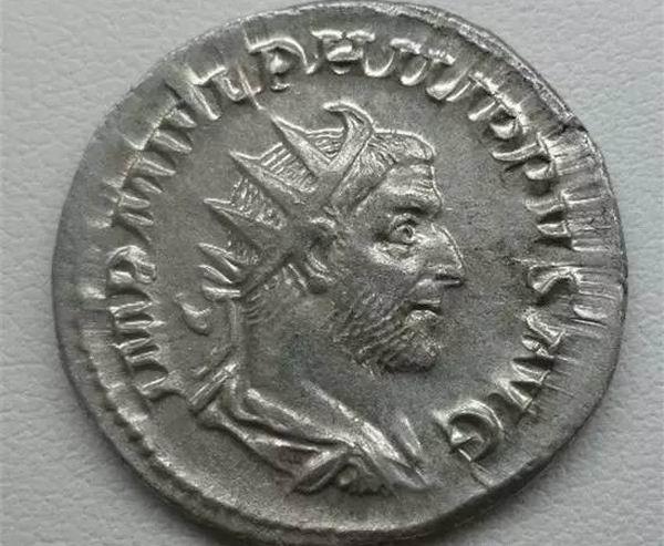 铭文:   是戈尔迪安三世的名字缩写   是菲利普一世的名字缩写,他的