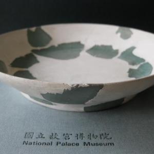 台北故宫宋官窑残器细节
