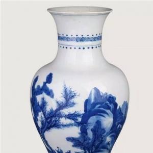 康熙精湛的青花瓷器